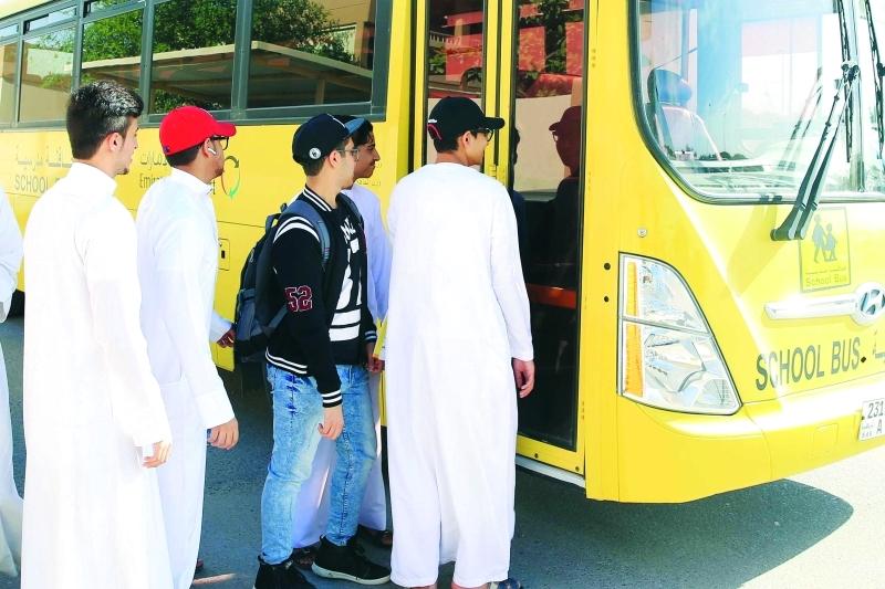 الصورة : نقل الطلبة بسلاسة عبر 756 خط سير في رأس الخيمة | من المصدر