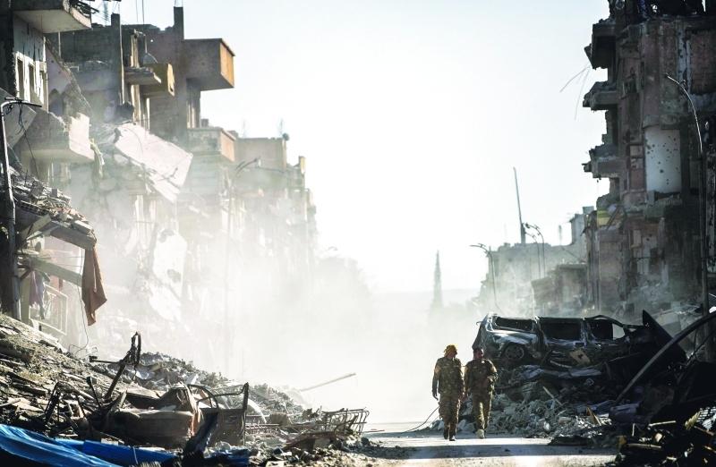 حربٌ ضروس لم تجد لها طاولات التفاوض من حل ينهي آلام شعب يقاسي الموت والنزوح  |   أرشيفية