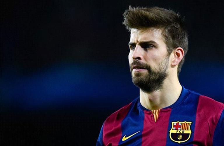 برشلونة يجدد تعاقده مع بيكيه حتى 2022