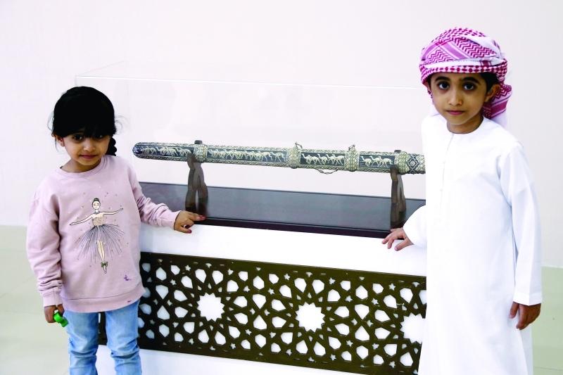 الصورة : ■ الجوائز تجذب جمهور الأطفال  |  تصوير: مجدي إسكندر