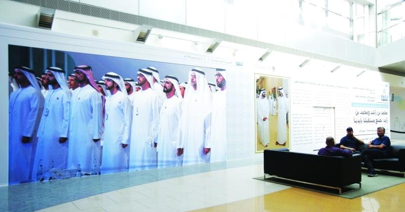 جداريات الصحافي تسهم في مواكبة المشاريع التنموية التي تشهدها الإمارات | تصوير: زافير ويلسون