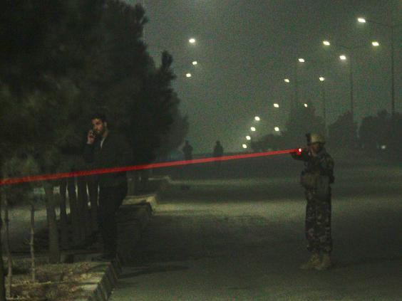 سقوط عدة قتلى في هجوم مسلح على فندق في كابول