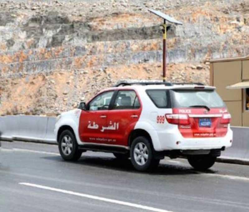إصابة 7 مواطنين في حادث تدهور مركبتهم برأس الخيمة