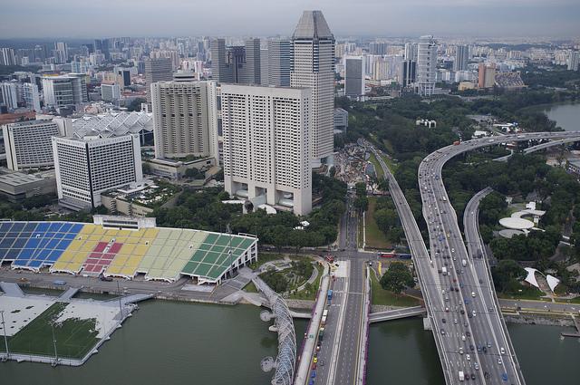 سنغافورة توقف إصدار تراخيص جديدة للسيارات .. والسبب ؟