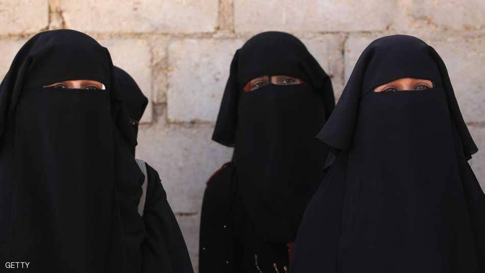 دولة جديدة تنضم لقائمة حظر النقاب