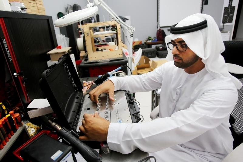 120 ابتكاراً تؤهّل أحمد المزروعي لفتح مصنع تكنولوجيا 2019 - البيان