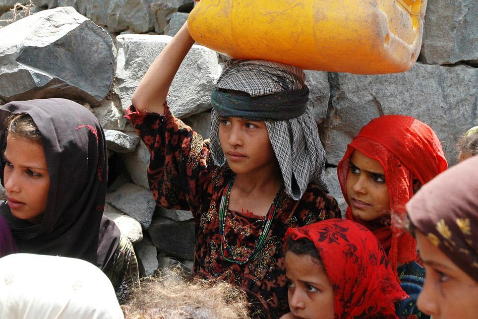 100 أسرة تفقد من يعيلها في اليمن جراء الحرب