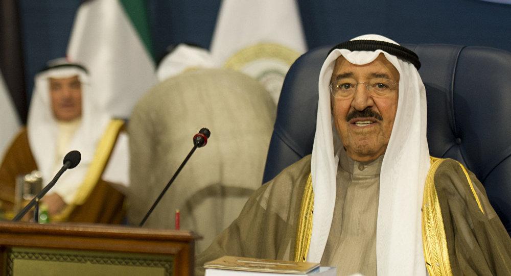 أمير الكويت يعلن تخصيص ملياري دولار لإعادة إعمار العراق