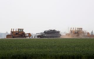 إصابة 4 جنود للاحتلال بانفجار على حدود غزة