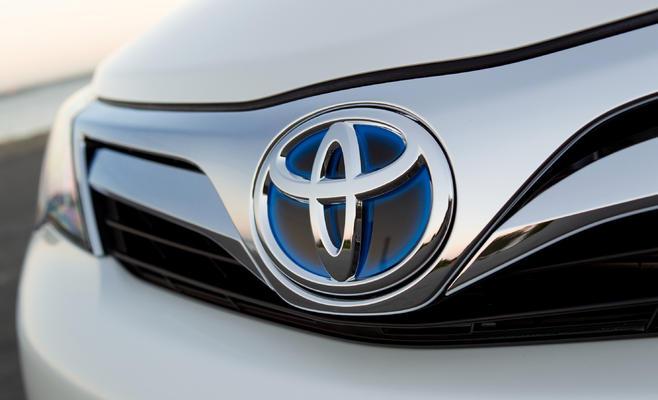 استدعاء 9373 سيارة تويوتا «تايريوس هايلوكس» لإصلاح عيوب - البيان