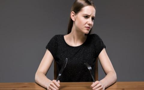 الصورة: 8 أسباب تمنعك من فقدان الوزن خلال الحمية