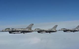 مقاتلات التحالف تقصف تعزيزات عسكرية للحوثيين في الدريهمي والصليف