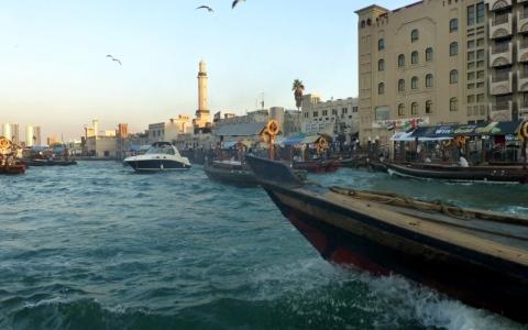 الصورة: خور دبي  شريان التراث والحداثة