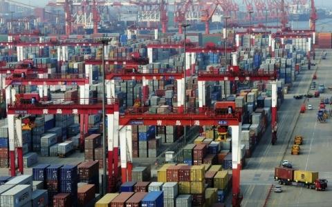 الصورة: الصورة: التقنيات والسياسات تحدّدان مستقبل التجارة العالمية