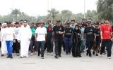 الصورة: نهيان بن زايد يتقدم المشاركين  في مسيرة اليوم الرياضي الوطني