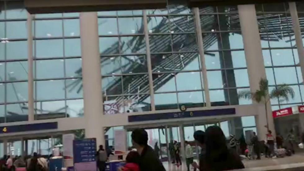 بالفيديو.. لحظة سقوط سقف مطار نانتشانغ تشانغبى الدولي في الصين