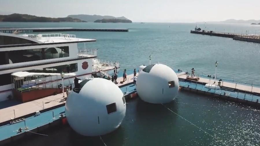 بالفيديو.. «فنادق الكبسولات العائمة» مشروع ياباني يتحدى التسونامي