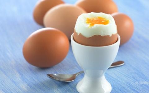 الصورة: ماذا يحدث في جسمك عند تناول ثلاث بيضات في اليوم؟