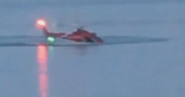 بالفيديو.. الطيار قفز ونجا والركاب قتلوا في سقوط مروحية بنيويورك