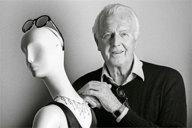 وفاة مصمم الأزياء الفرنسي جيفنشي عن 91 عاماً