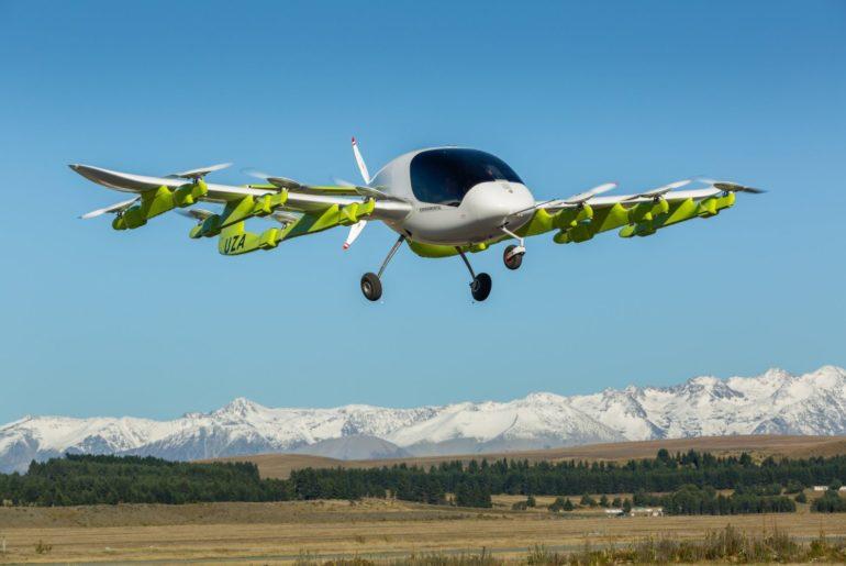 """""""غوغل"""" تطلق سيارتها الطائرة (كورا) في نيوزيلندا"""