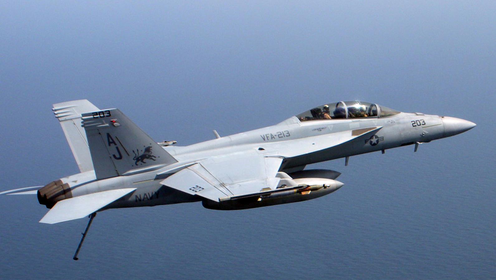 مقتل طيارين أميركيين بتحطم طائرة عسكرية في فلوريدا