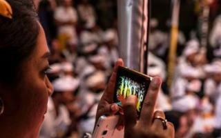 الصورة: «يوم الصمت» يفصل إنترنت الهواتف في بالي