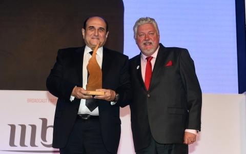 الصورة: «دو» «أفضل شركة معلنة» في حفل جوائز دبي لينكس
