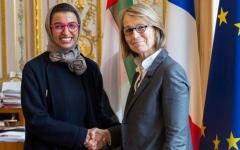 الصورة: نورة الكعبي تبحث مع وزيرة الثقافة الفرنسية  آفاق التعاون في مجالات مختلفة