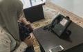 الصورة: تمكين الأبناء من التواصل مع ذويهم عبر الاتصال المرئي