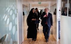 الصورة: المكتب الإعلامي لحكومة دبي يبحث تعزيز التعاون مع وكالة الأنباء الفرنسية