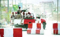 الصورة: التحالف يدمر معسكراً وآليات عسكرية للحوثيين في الحديدة