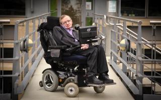 الصورة: سر بقاء ستيفن هوكينج على قيد الحياة 50 عاماً مع مرض التصلب الجانبي الضموري القاتل