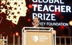 الصورة: أندريا زافيراكو لـ «البيان»: الإمارات وفّرت للمعلم جميع سبل الإبداع