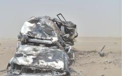 الصورة: مليشيا الحوثي تقصف سيارة إسعاف في الخوخة اليمنية