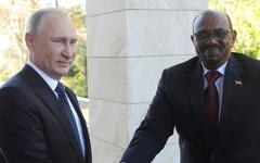 الصورة: بوتين يقبل دعوة البشير  لزيارة السودان