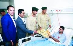 الصورة: وفد مرور دبي يزور مصابي حوادث السير