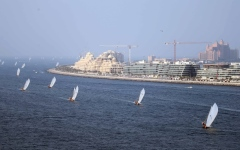 الصورة: 116 محملاً في سباق السفن الشراعية اليوم