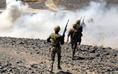 الصورة: بإسناد قواتنا المسلحة.. تدمير زورقين مفخخين لميليشيا إيران