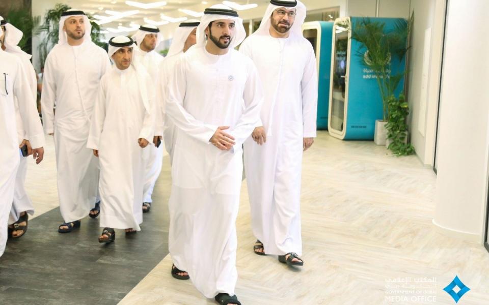"""الصورة: حمدان بن محمد يطلق الدورة الرابعة من """"مسرعات دبي المستقبل"""""""