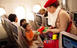 رفاهية بلا حدود للأطفال المسافرين على طيران الإمارات