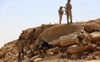 الشرعية تحرر معسكراً في الجوف وجبلاً استراتيجياً في كرش