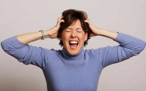 الصورة: تعرف على علامات الاحتراق النفسي لدى الأمهات