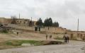 الصورة: منبج.. المدرسة بمناطق «درع الفرات» والبيت مع «قسد»