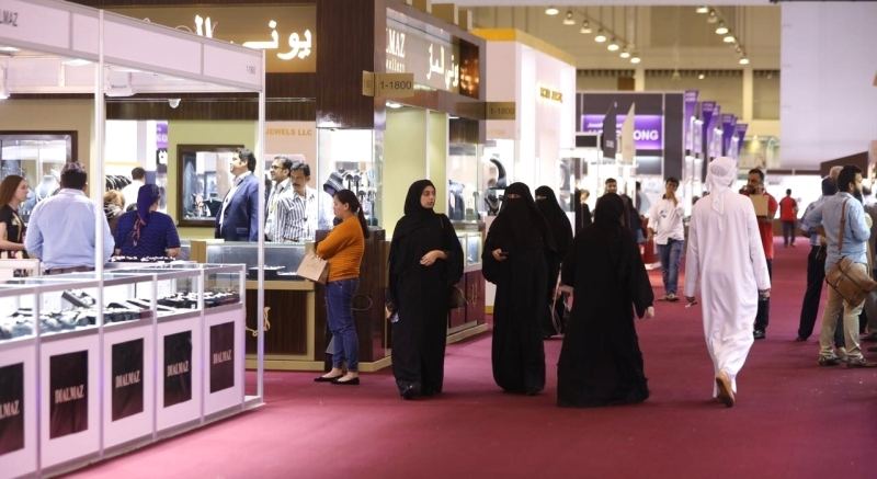 7f0472c8e20bd 500 شركة وعلامة تجارية في معرض الشرق الأوسط للساعات والمجوهرات - البيان
