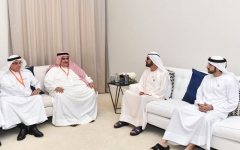 الصورة: محمد بن راشد يستقبل وزير خارجية البحرين