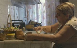 الصورة: «غداء العيد»..الواقع اللبناني على المائدة