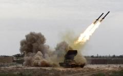الصورة: الدفاع الجوي السعودي يدمر صاروخاً باليستياً أطلقه الحوثيون باتجاه جازان