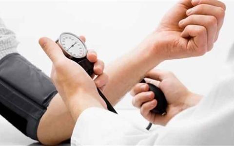 الصورة: لماذا يرتفع ضغط الدم بشكل مفاجئ؟