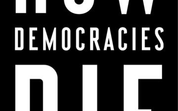 الصورة: «موت الديمقراطيات»..شعارات وممارسات خاطئة